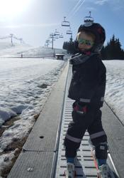 Beginner-ski-slope-in-Les-Gets