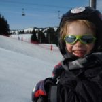 Children-skiing-in-Les-Gets