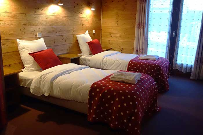 Chalet Bruyeres Twin Bedroom