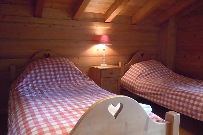 Chalet Elise Twin Bedroom