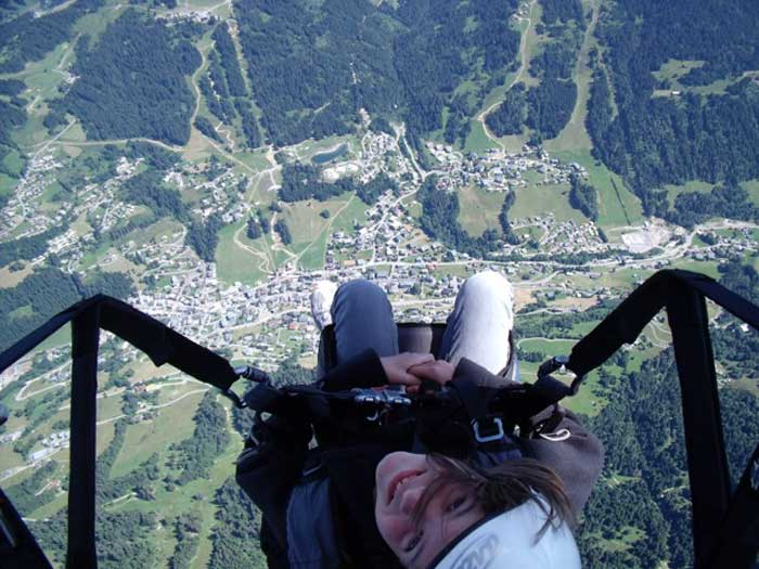 You can do parapente in Les Gets